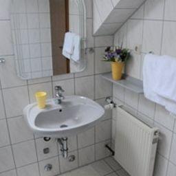 Tannenhof-Erlenbach_am_Main-Badezimmer-1-57623
