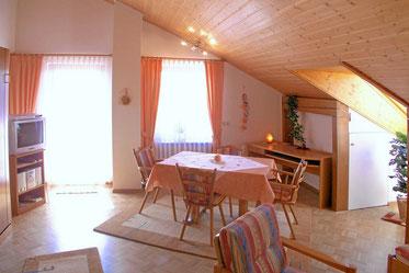 ferienwohnung-im-dachgeschoss-gästehaus-claudia