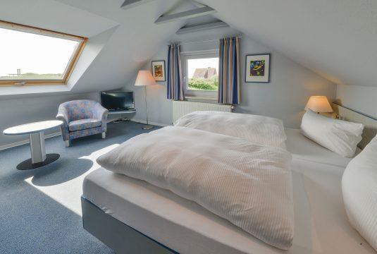 apartment-norderoog-doppelbett-gerds-hoeft-535x360