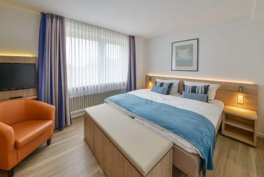 doppelbett-appartment-duenenblick-meyenburg-535x360