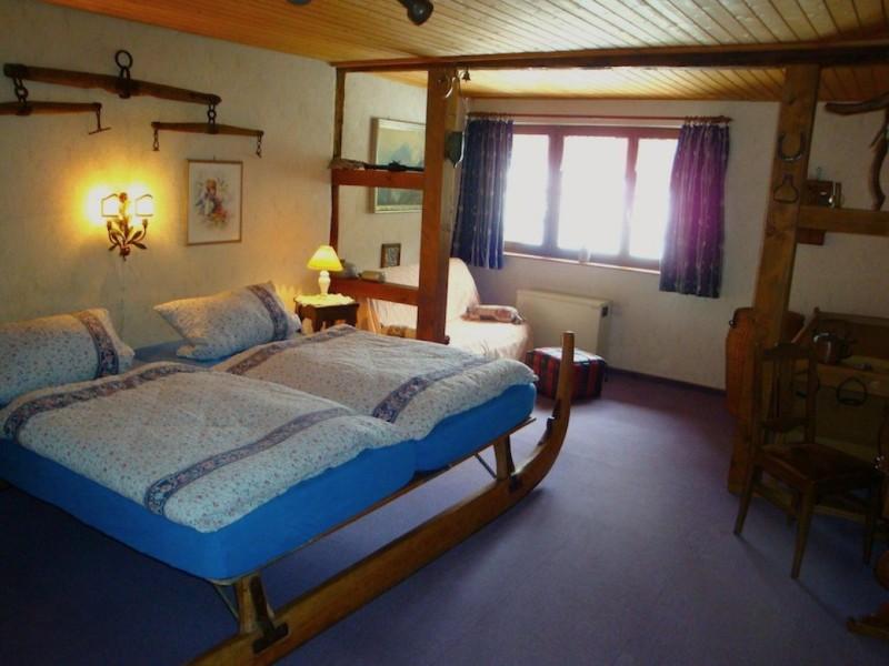 schlafzimmer-1-mit-schlittenbett