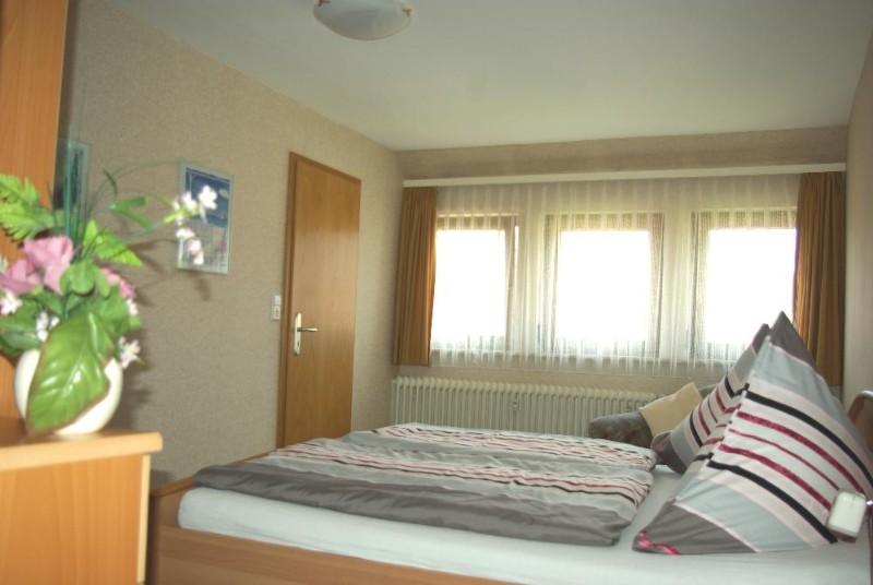 Schlafzimmer-Fewo1-.1