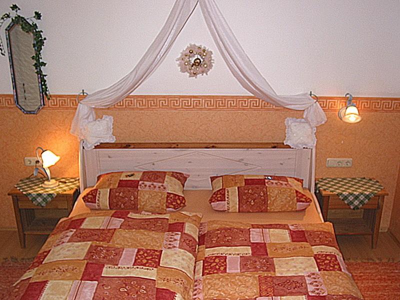 Zimmer_Bett