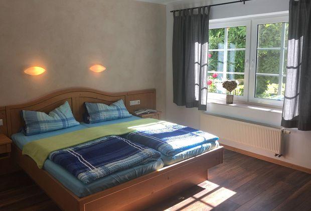 Zimmer-32-Bett-55db6de4
