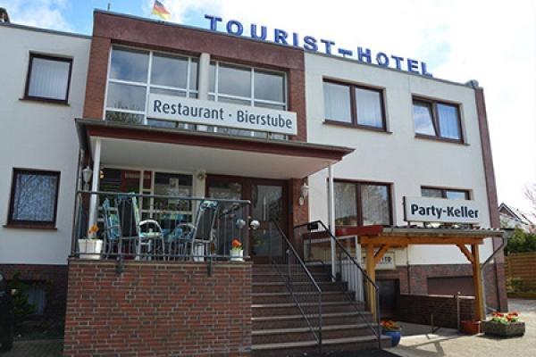 382_hotel_tourist-hotel_aussenansicht_thb
