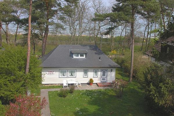 1163_fewo-boettger_ferienhaus-strandallee-aussenansicht_thb