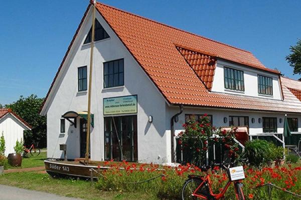 401_ferienhaus_hiddensee_aussenansicht_thb