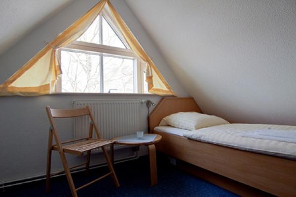 401_ferienhaus_hiddensee_schlafzimmer2_thb