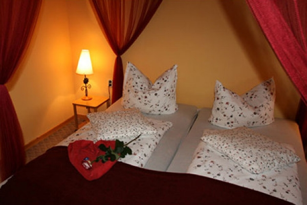 251_hotel-borstel-treff_schlafzimmer2_thb