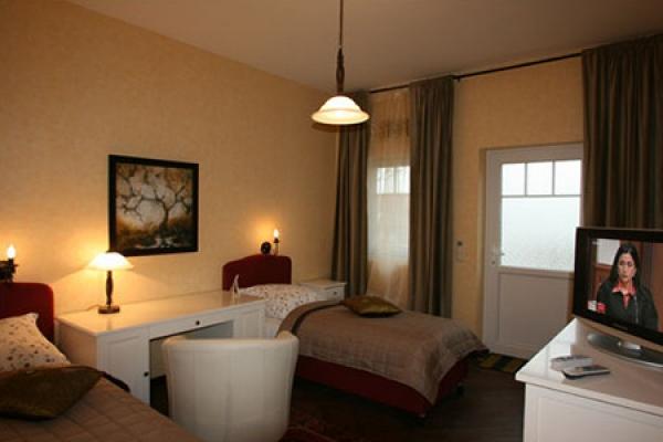 251_hotel-borstel-treff_schlafzimmer_thb