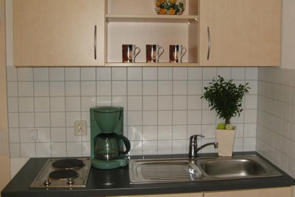 1448_urlauber-und-firmen-gaestehaus_kochgelegenheit_thb