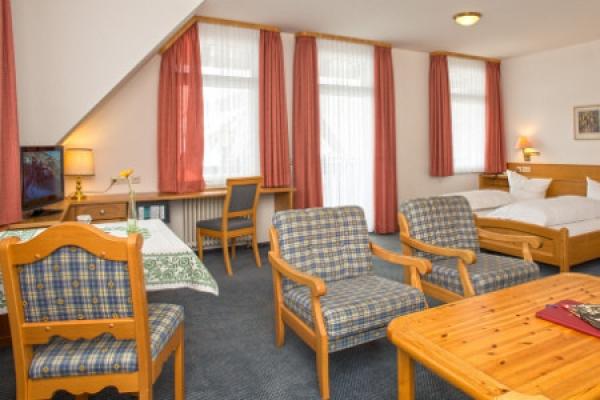 1428_hotel-restaurant-schwarzwaldhof-gutzweiler_komfortzimmer_thb