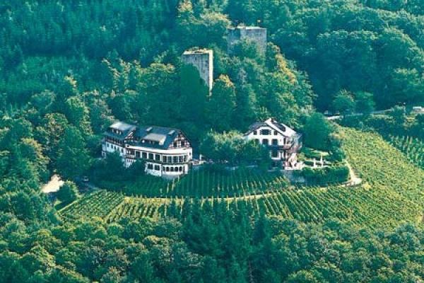 1364_hotel-restaurant-burg-windeck_aussenansicht_thb