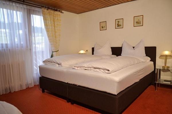 1301_hotel-baeren_zimmer5_thb