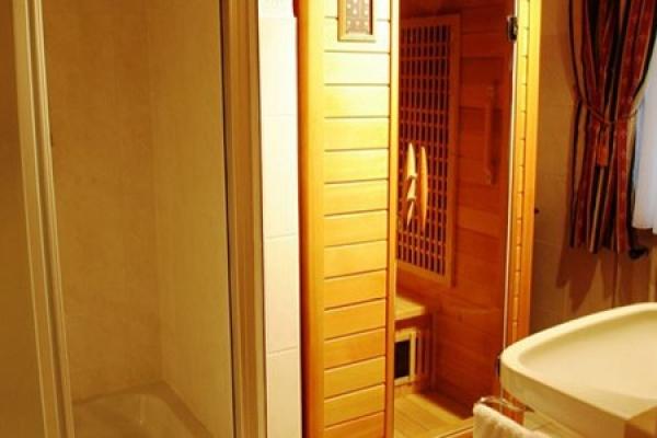 1301_hotel-baeren_zimmer6-bad_thb