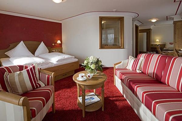 1085_hotel-roessle-bernau_suite_thb