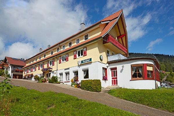 997_gasthof-pension-berghof_aussenansicht_thb