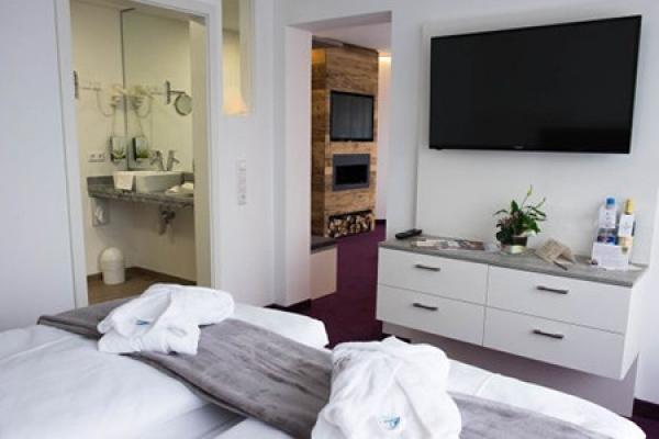 513_hotel-waldeck_schlafzimmer2_thb