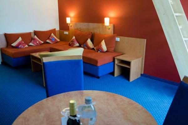 513_hotel-waldeck_wohnzimmer_thb