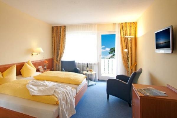 1584_hotel-gaestehaus-zuern_doppelzimmer_thb