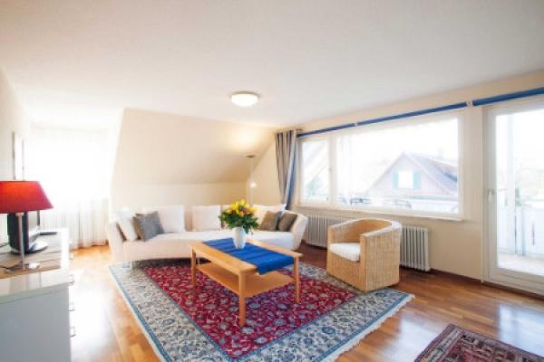 1584_hotel-gaestehaus-zuern_fewo-saentis-wohnzimmer_thb