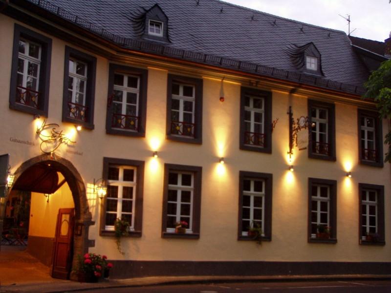 stammhaus-winzerhof-mit-ferienwohnungen