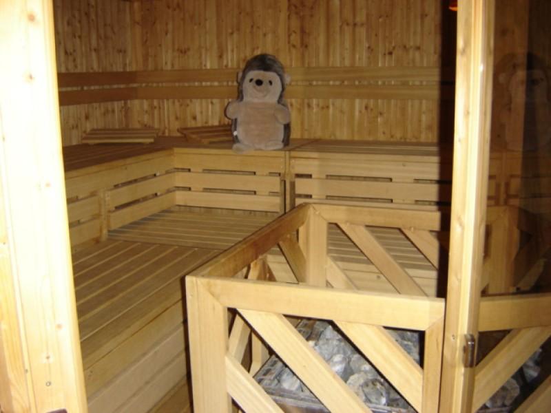in-der-sauna-abends-entspannen