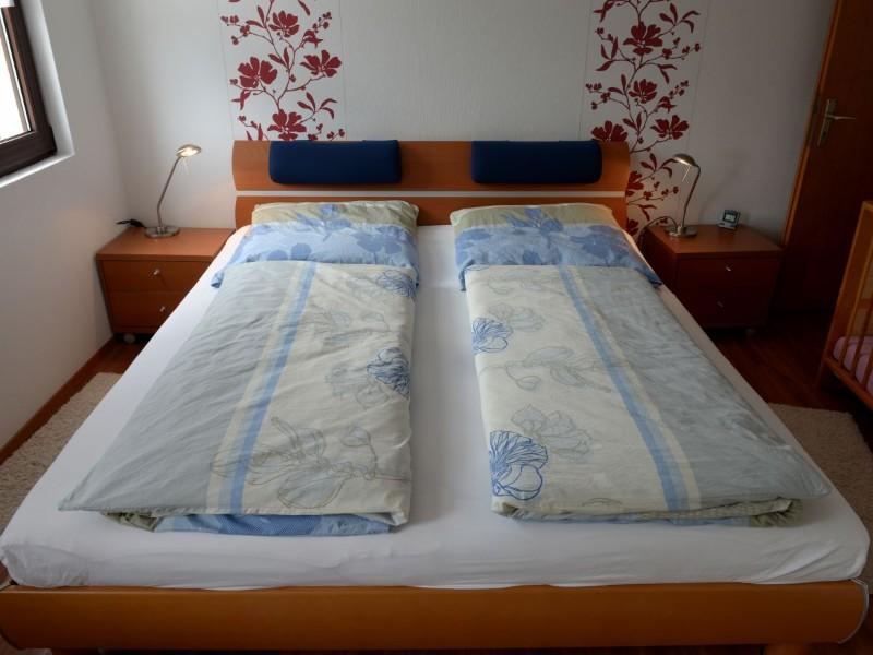 schlafzimmer-mit-moselblick